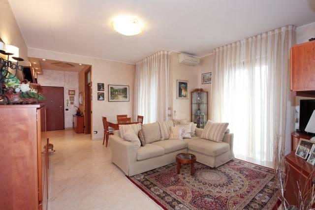 Appartamento in ottime condizioni in vendita Rif. 6932900