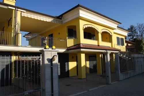 Villa a Schiera in vendita a Bra, 6 locali, prezzo € 390.000   CambioCasa.it