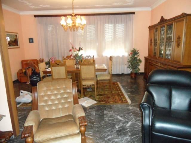 Villa 6 locali in vendita a Adria (RO)