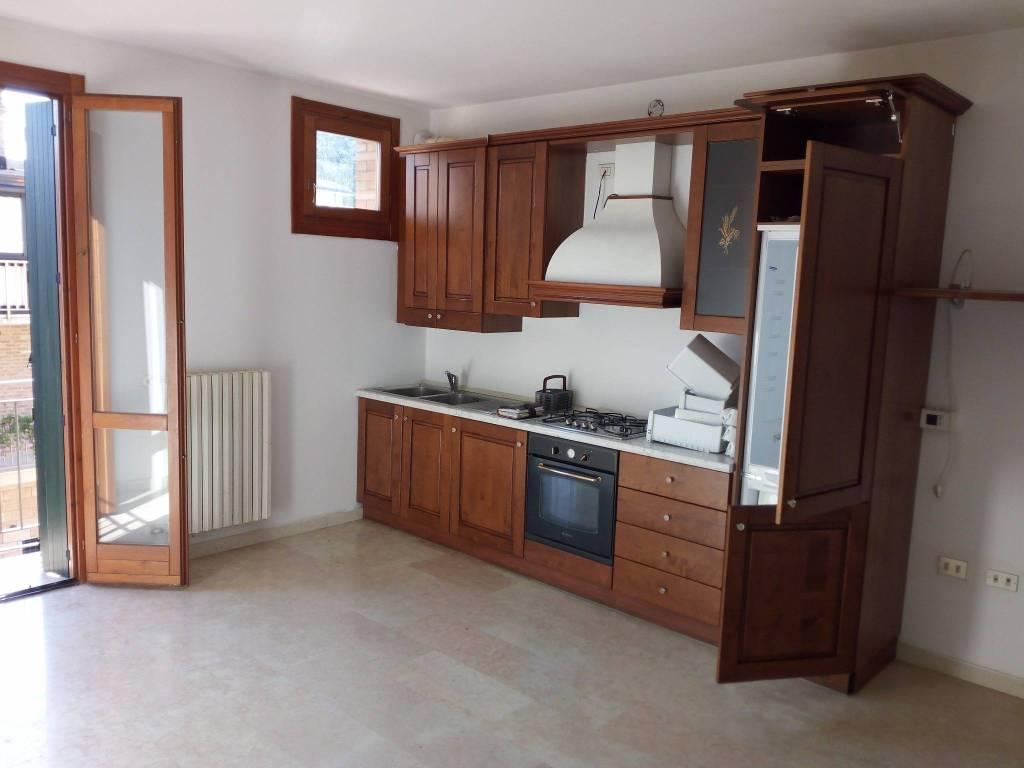 Appartamento con 5 locali disposto sue 2 livelli