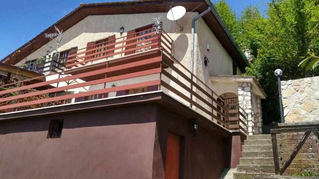 Villa in vendita a Serrone, 4 locali, prezzo € 48.000 | CambioCasa.it