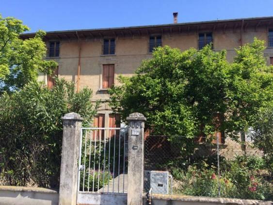 Casa indipendente 6 locali in vendita a Dosolo (MN)