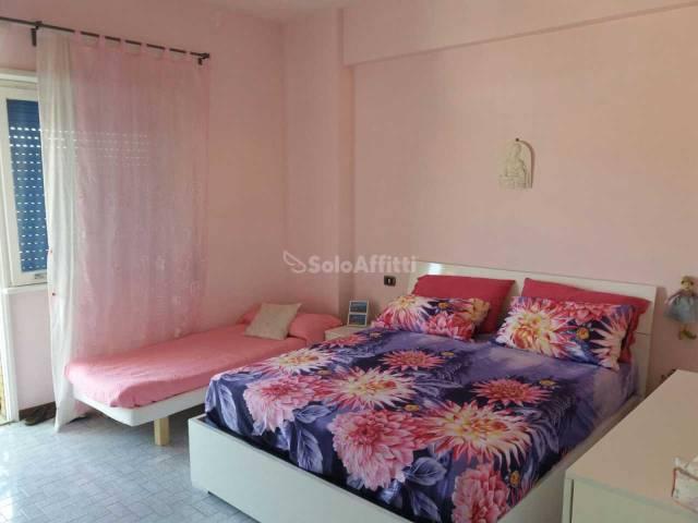 Appartamento in buone condizioni arredato in affitto Rif. 7244848