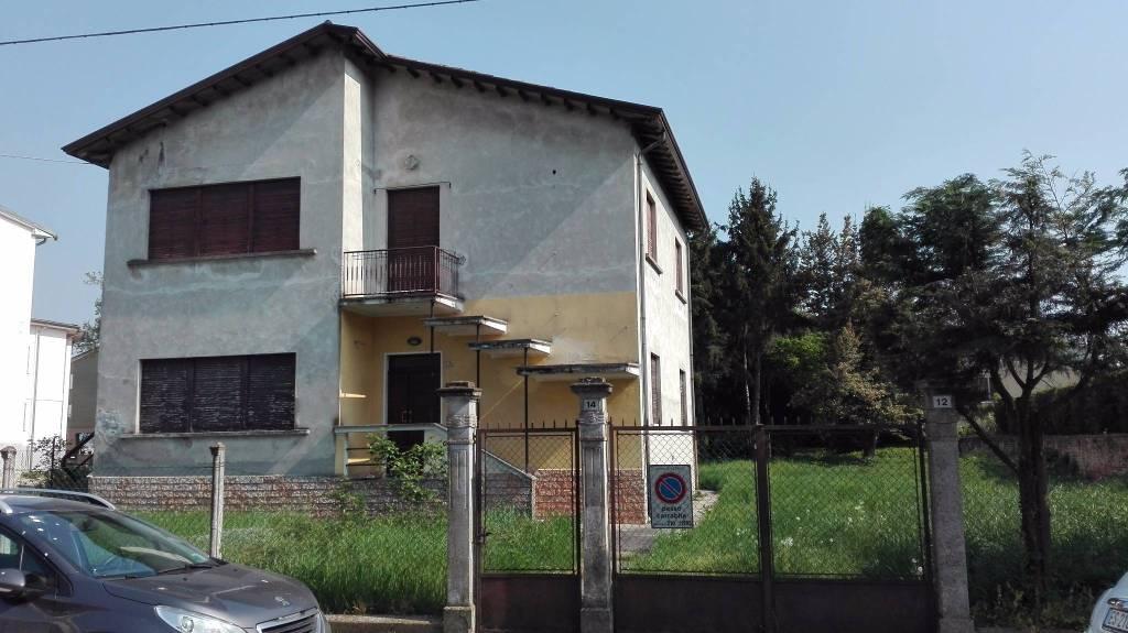 Villa da ristrutturare in vendita Rif. 4912050