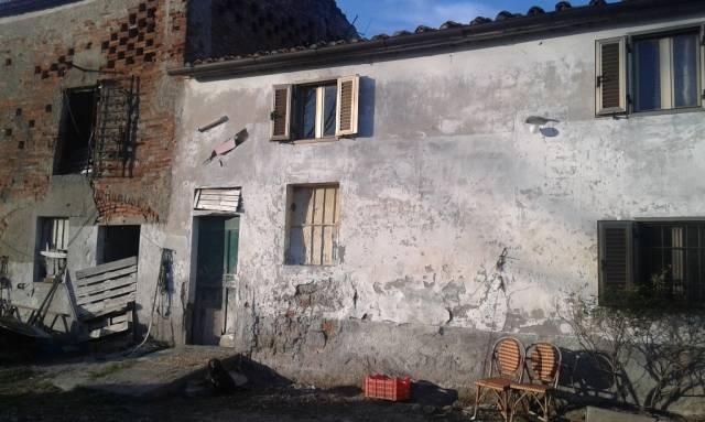 Rustico / Casale da ristrutturare in vendita Rif. 4937512