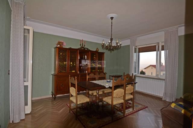 Appartamento in buone condizioni in vendita Rif. 4894634