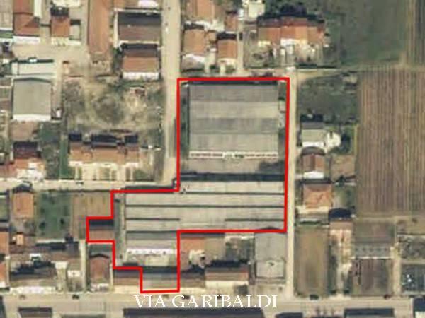 Capannone in vendita a Canneto sull'Oglio, 6 locali, prezzo € 130.000 | CambioCasa.it
