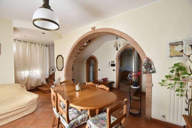 Villa a schiera 5 locali in vendita a Corridonia (MC)