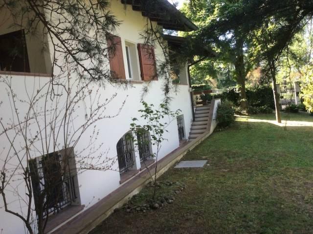 Villa 5 locali in vendita a Quattro Castella (RE)