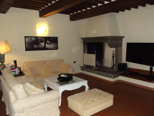 Casa indipendente 5 locali in affitto a Pontedera (PI)