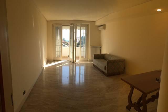 Appartamento trilocale in affitto a Merate (LC)