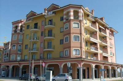 Appartamento in ottime condizioni arredato in affitto Rif. 6879164