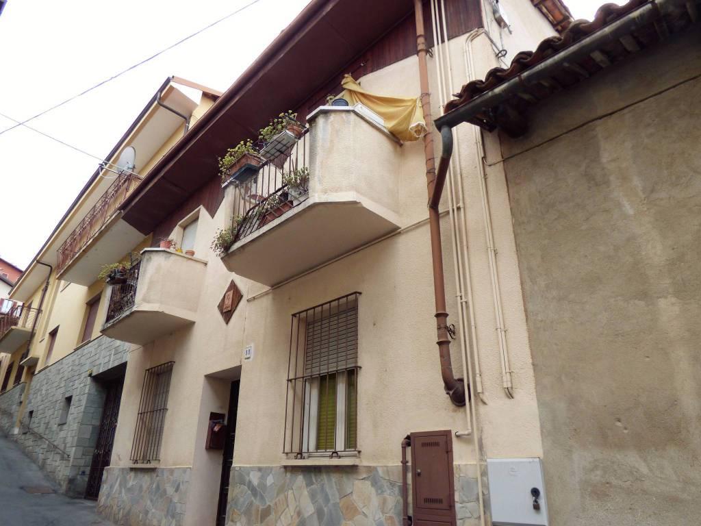 Costigliole S. casa di paese con due alloggi separati