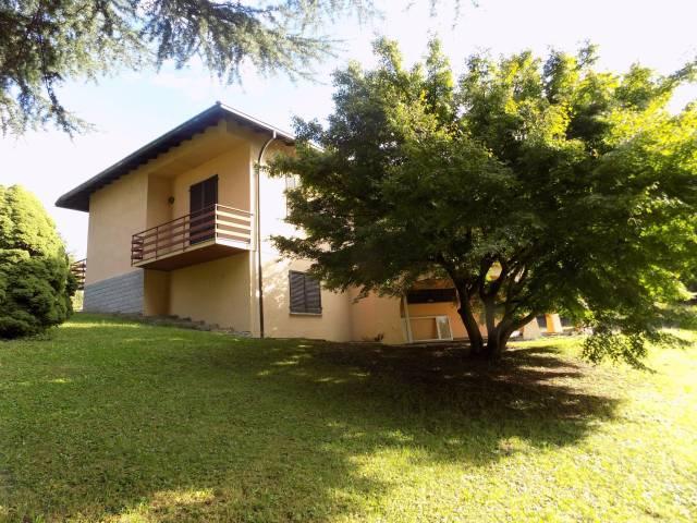 Villa in Vendita a Lurate Caccivio