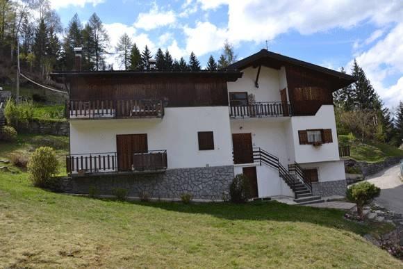 Appartamento in buone condizioni parzialmente arredato in vendita Rif. 4240044