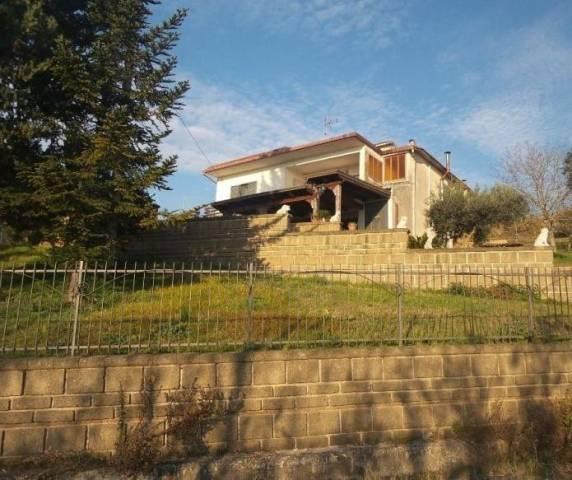 Villa 6 locali in vendita a Frasso Telesino (BN)