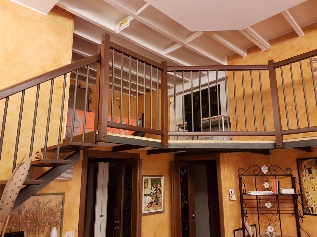 Appartamento in vendita 3 vani 125 mq.  via Louis Pasteur 4 Milano