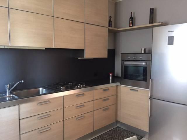 Appartamento in buone condizioni arredato in vendita Rif. 9142948