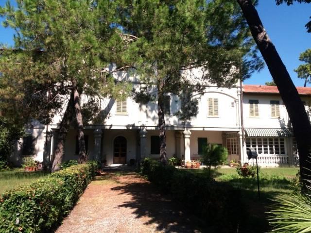 HOTEL STORICO IN FORTE DEI MARMI PRESSO VIA ROMA IMPERIALE