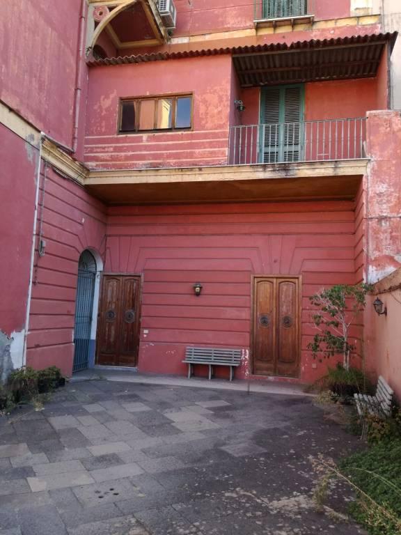 Appartamento da ristrutturare in vendita Rif. 8081318