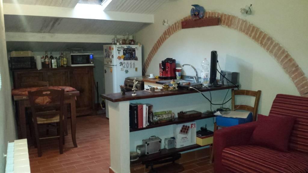 Appartamento in vendita a Chiusi, 3 locali, prezzo € 65.000   CambioCasa.it