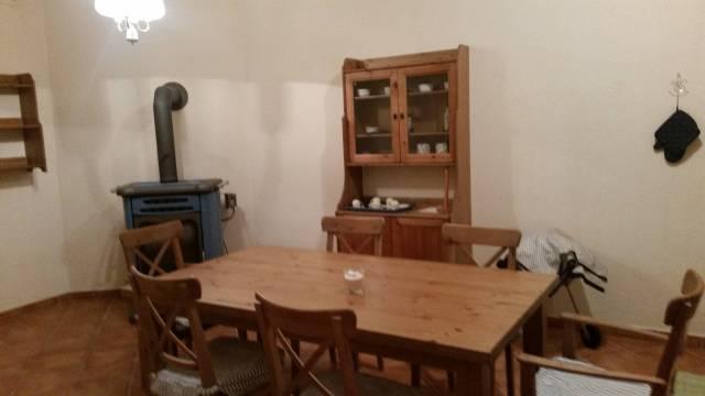 Appartamento in buone condizioni arredato in affitto Rif. 4955743