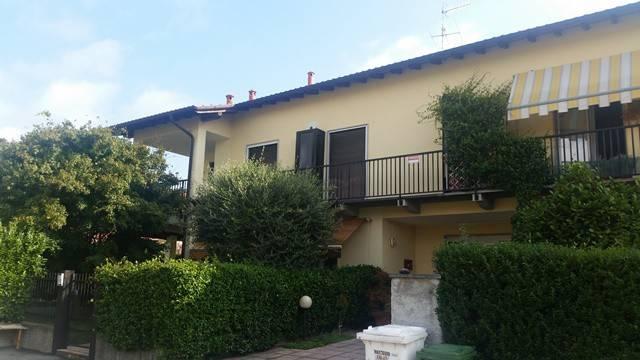 Appartamento in ottime condizioni in vendita Rif. 4359195
