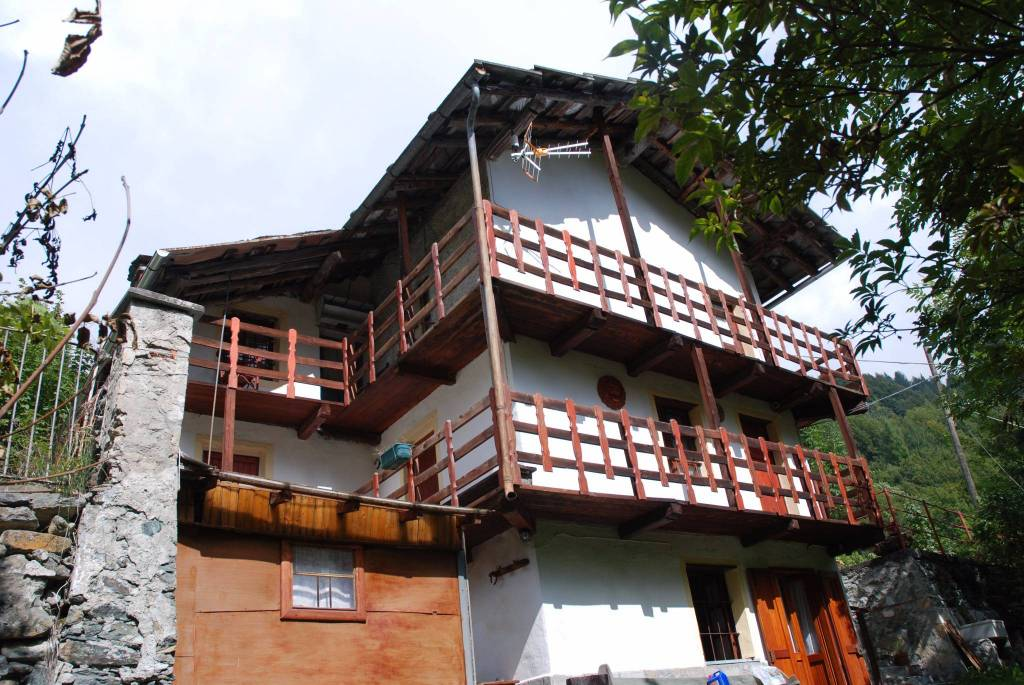 Rustico / Casale in buone condizioni in vendita Rif. 4867390