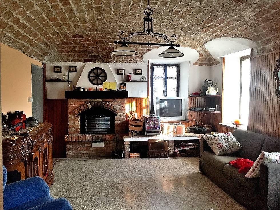 Foto 1 di Rustico / Casale frazione Pozzengo, Mombello Monferrato