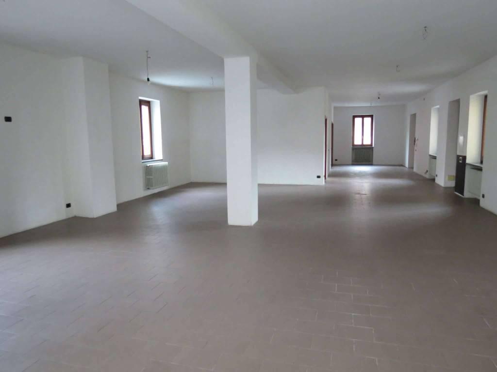 Ufficio / Studio in affitto a Olgiate Comasco, 2 locali, prezzo € 1.100 | PortaleAgenzieImmobiliari.it