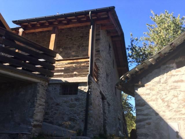 Rustico / Casale in buone condizioni parzialmente arredato in vendita Rif. 4400534