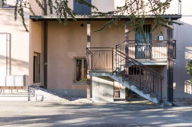 Palazzo in Vendita a San Benedetto Val Di Sambro Centro: 3 locali, 675 mq