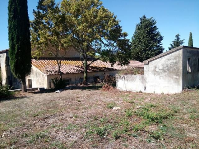 Rustico / Casale da ristrutturare in vendita Rif. 5023044