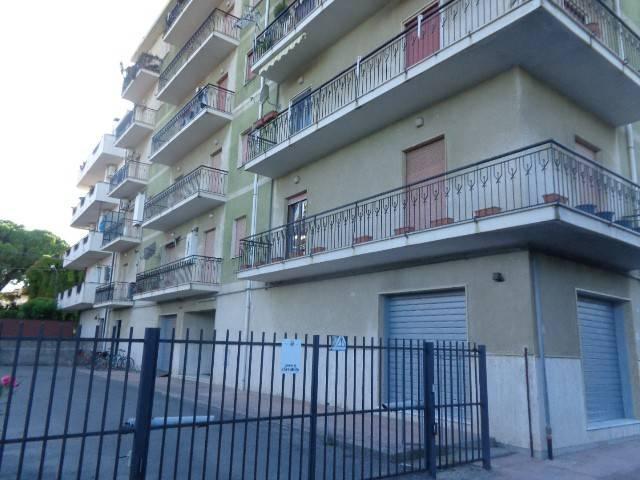 Appartamento in vendita a Siderno, 4 locali, prezzo € 100.000 | CambioCasa.it