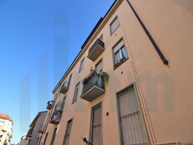 Appartamento bilocale in vendita a Seregno (MB)