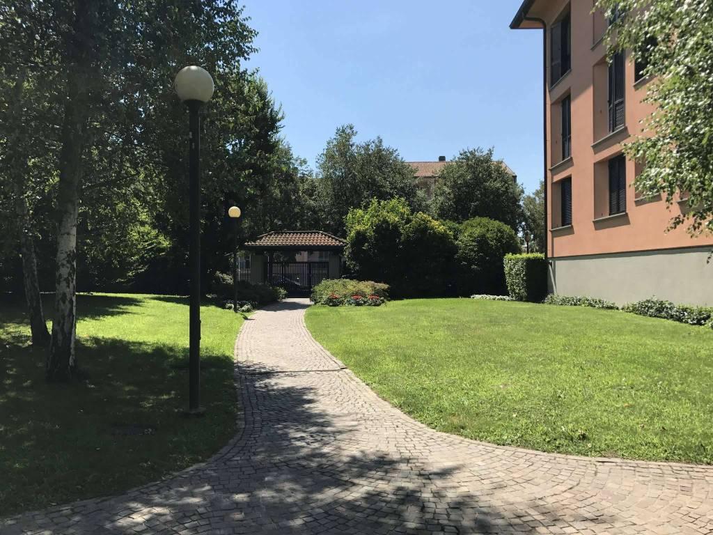 Appartamento in ottime condizioni in vendita Rif. 8895170