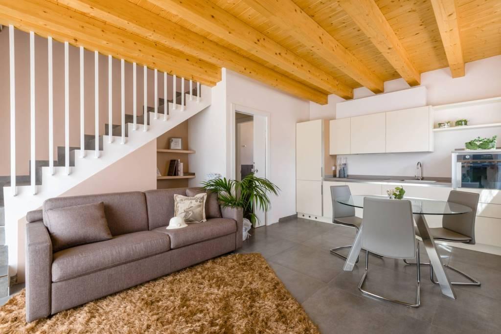 Appartamento in vendita a Clusone, 2 locali, prezzo € 138.000 | CambioCasa.it