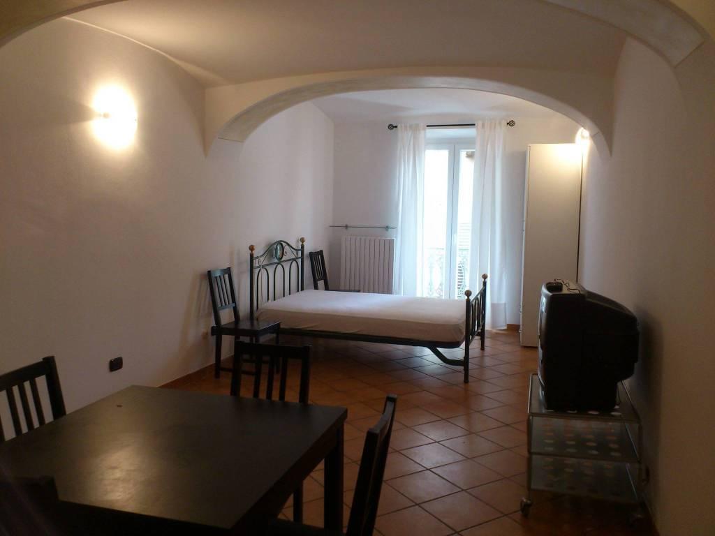 Appartamento in ottime condizioni arredato in affitto Rif. 8911164