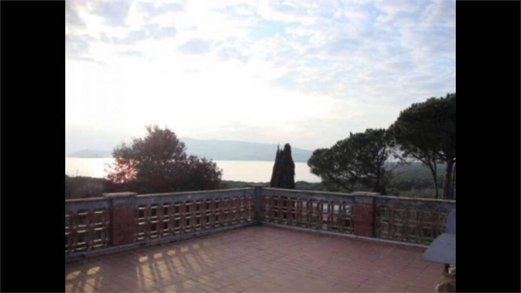 Villa in buone condizioni in vendita Rif. 7756021