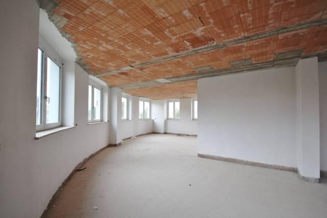 Ufficio-studio in Affitto a Cuneo Semicentro: 1 locali, 274 mq