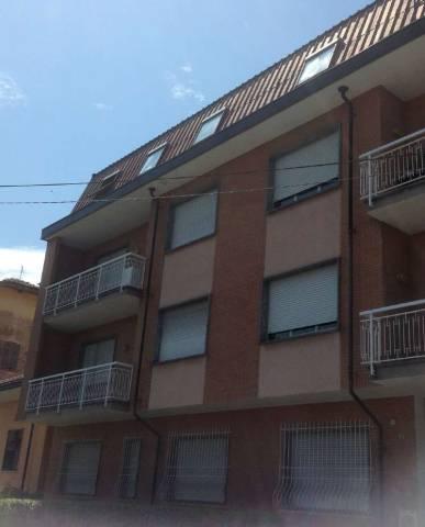 Appartamento in buone condizioni in affitto Rif. 4224403