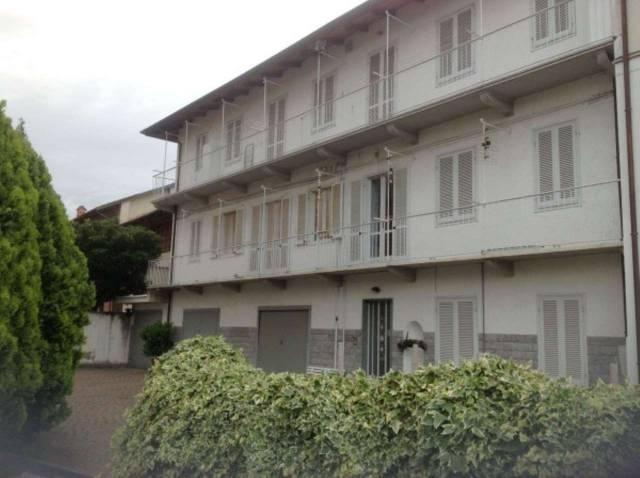 Appartamento in buone condizioni in affitto Rif. 4224404