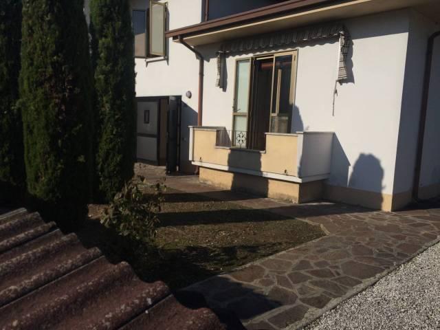 Villa a Schiera in vendita a Gazoldo degli Ippoliti, 5 locali, prezzo € 140.000   CambioCasa.it