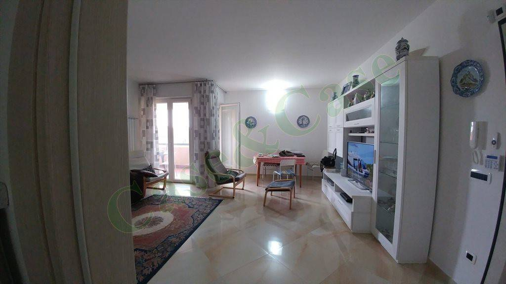 Appartamento in ottime condizioni in vendita Rif. 8872449