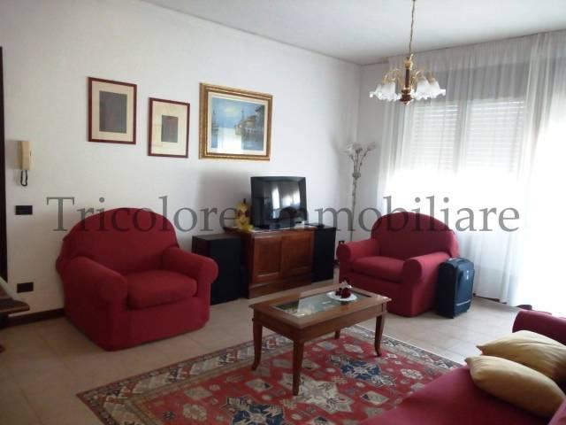 Appartamento in ottime condizioni in vendita Rif. 4972075