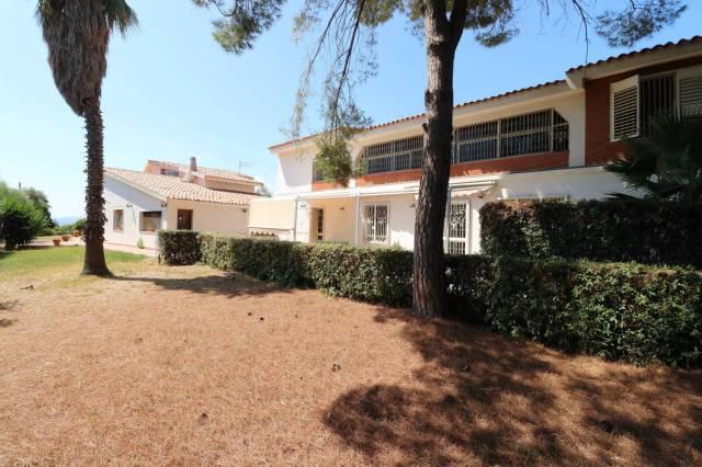 villa casa vendita siracusa di metri quadrati 400 prezzo 350000 nella zona di centro citt rif villa con piscina in vendita tremilia belvedere