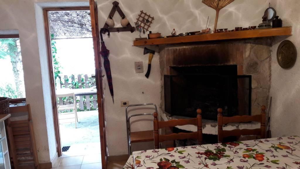 Villa in vendita a Camerata Nuova, 2 locali, prezzo € 45.000 | CambioCasa.it