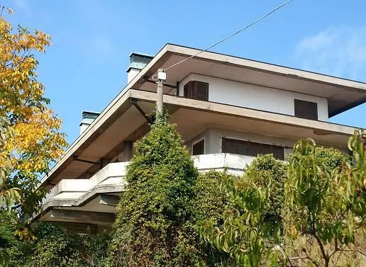 Villa in vendita a Cocconato, 6 locali, prezzo € 490.000 | CambioCasa.it