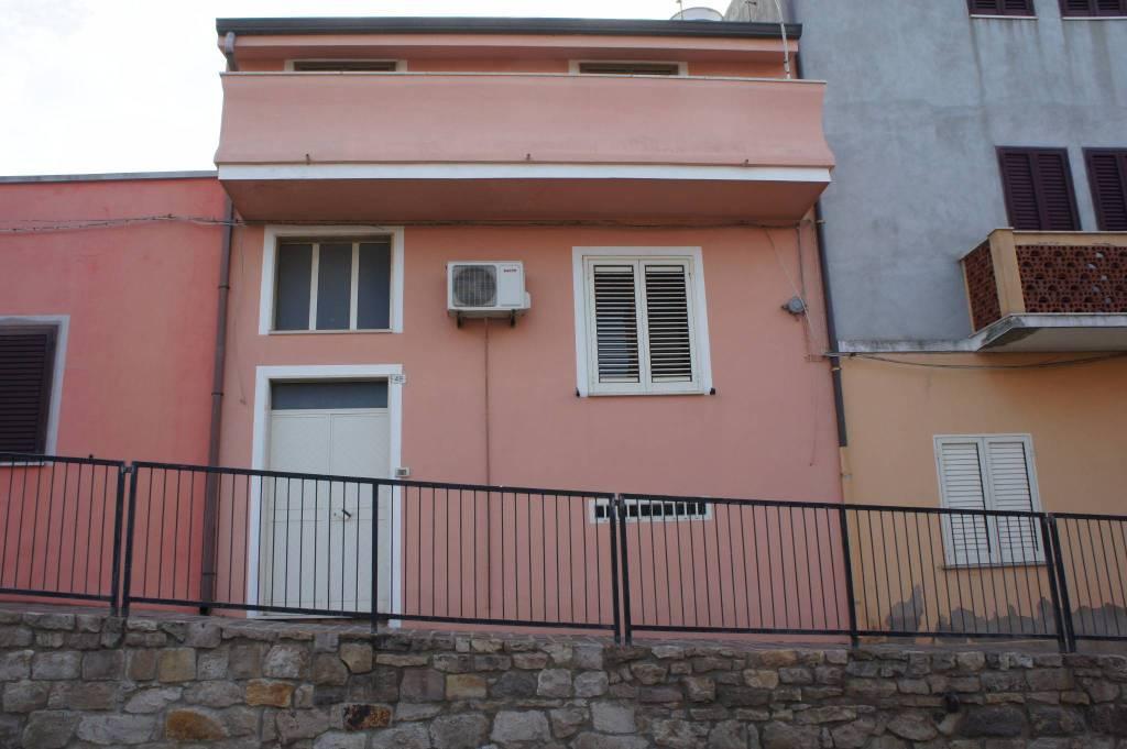 Casa Indipendente in buone condizioni in vendita Rif. 5302456