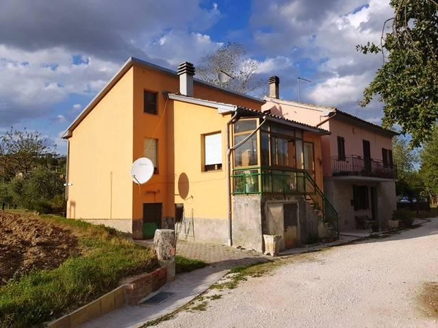 Casa Indipendente in buone condizioni in vendita Rif. 4375197